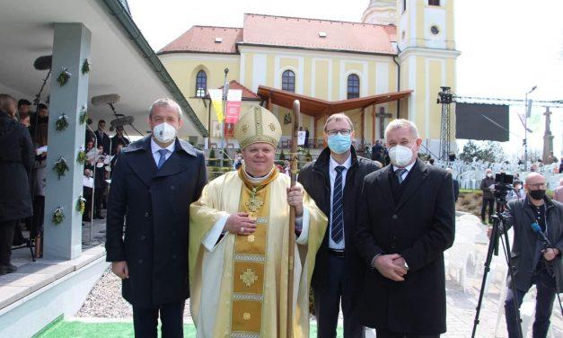 Biskupská vysviacka Mons. Petra Beňa